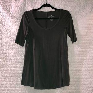 3/4 sleeve dark grey shirt